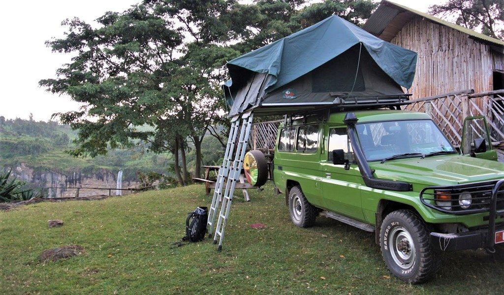 Landcruiser with rooftoptent at Sipi Falls on self drive safari in Uganda