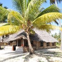 Emanyani Beach Lodge - $$