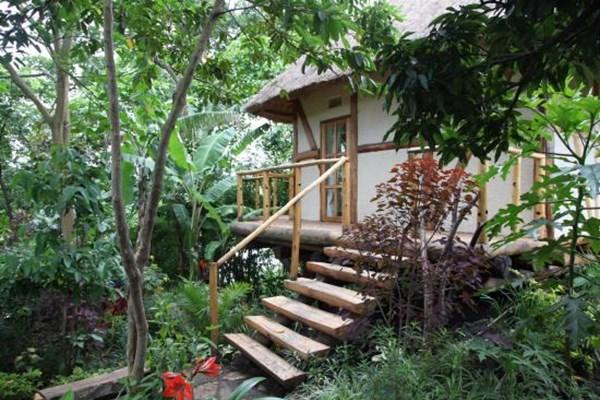 Papaya Lake Lodge - $$$