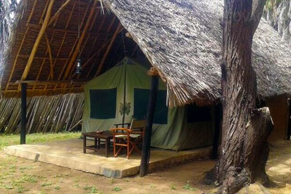 Epiya Chapeyu tented camp - $$
