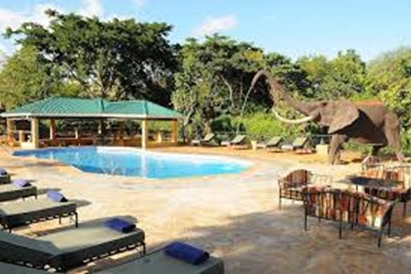Kudu Lodge & Campsite- $- $$